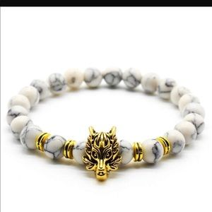 Other - Wolf head white agate beaded bracelet